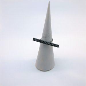 (Anello Barra con Diamanti neri grezzi) ottone placcato rutenio con diamanti neri grezzi (144)