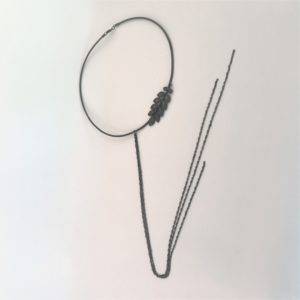 (Collana Cerchio con fregi) ottone e rame placcata argento brunito (264)